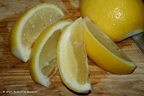 The curves of a cut lemon