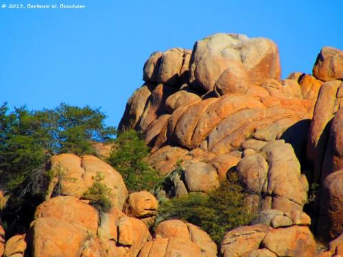 Dawn on the rocks